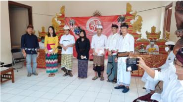 Prajaniti Jawa Barat Berikan Beasiswa